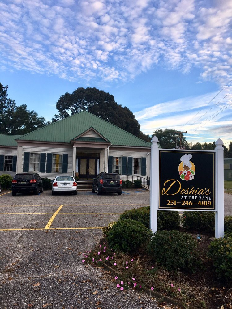 Doshia's Fine Food & Catering: 206 E Church St, Jackson, AL