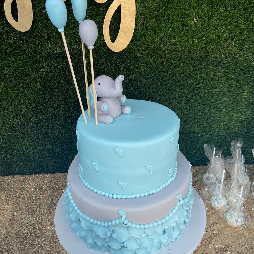 La Princesa Bakery: 7910 Atlantic Ave, Cudahy, CA