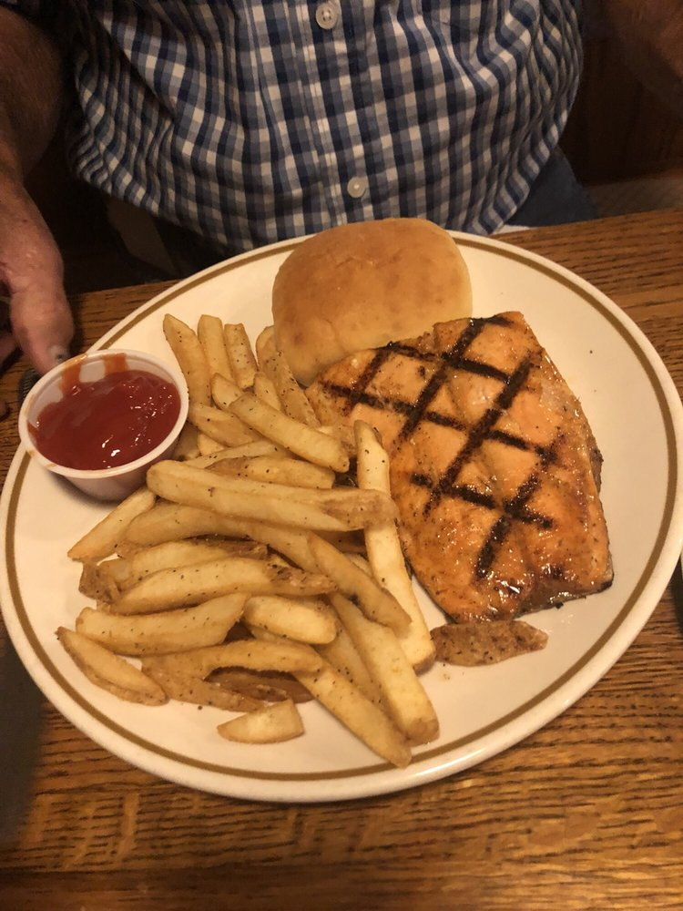Samuel's on the Square: 117 N Court Sq, Waverly, TN