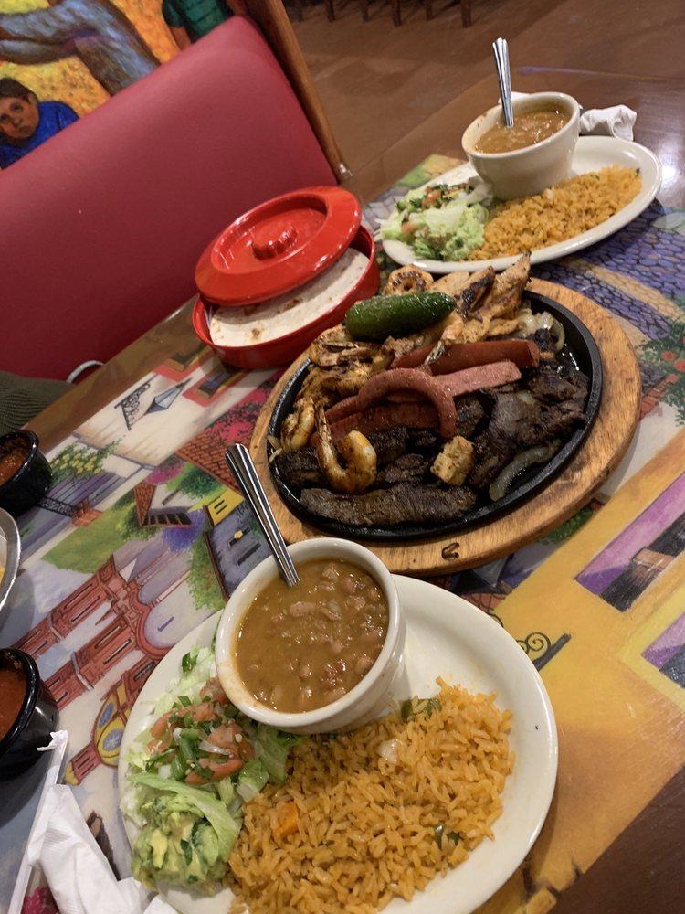 Rodriguez Mexican Grill: 1208 E Hwy 175, Crandall, TX