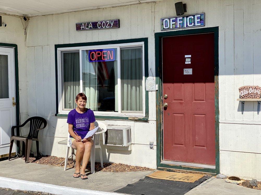 Ala Cozy Motel: 9988 Us-2, Coulee City, WA