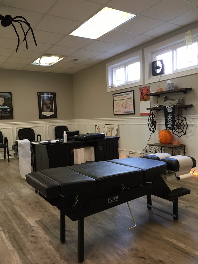 Smith Chiropractic Health Care: 7716 W North Ave, Elmwood Park, IL