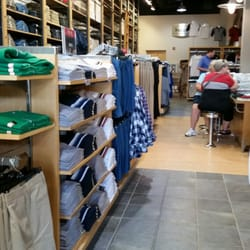 North Conway NH Outlets and Malls. Please check out some of the fine North Conway Outlet stores and Malls below and be sure to let them know that you found them on North Conway NH. com!! Settlers Green Outlet Village Rt. 16 North Conway, NH Tel