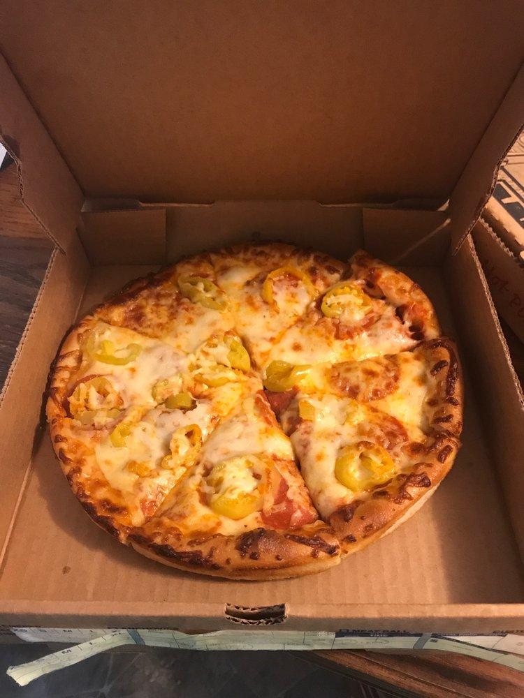 Mojo's Pizza & Sandwiches: 4101 Massachusetts Ave, Cordova, AL