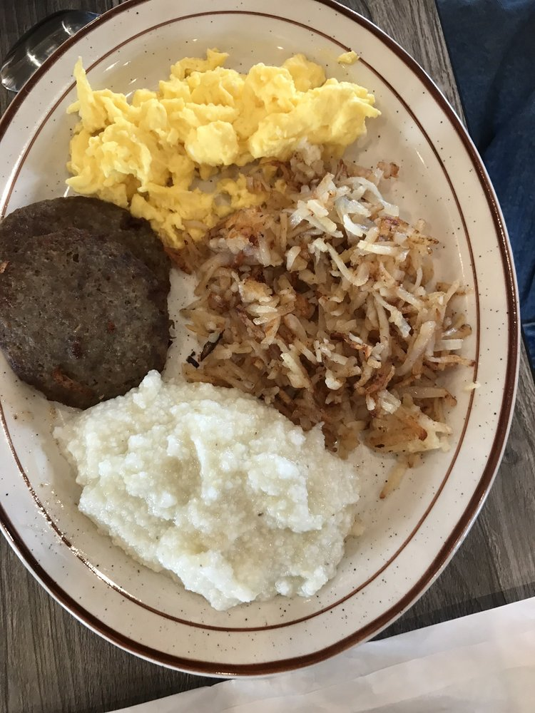 D's Country Kitchen: 32920 N Outer Rd 60, Ellsinore, MO