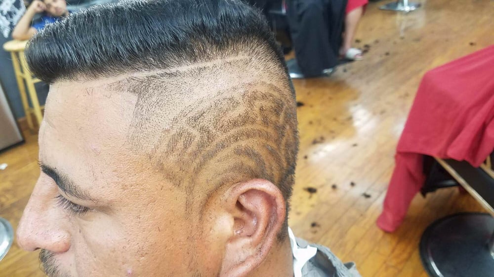 Dream Team Barber Shop: 8167 Mall Rd, Florence, KY