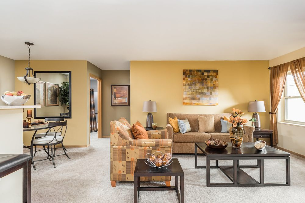 Reserve at Eagle Ridge: 1947 W Eagle Ridge Dr, Waukegan, IL
