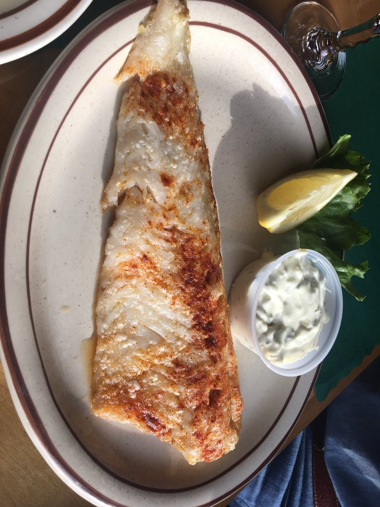 Florio's Grill and Tavern: 105 Old Main St, Cohasset, MN