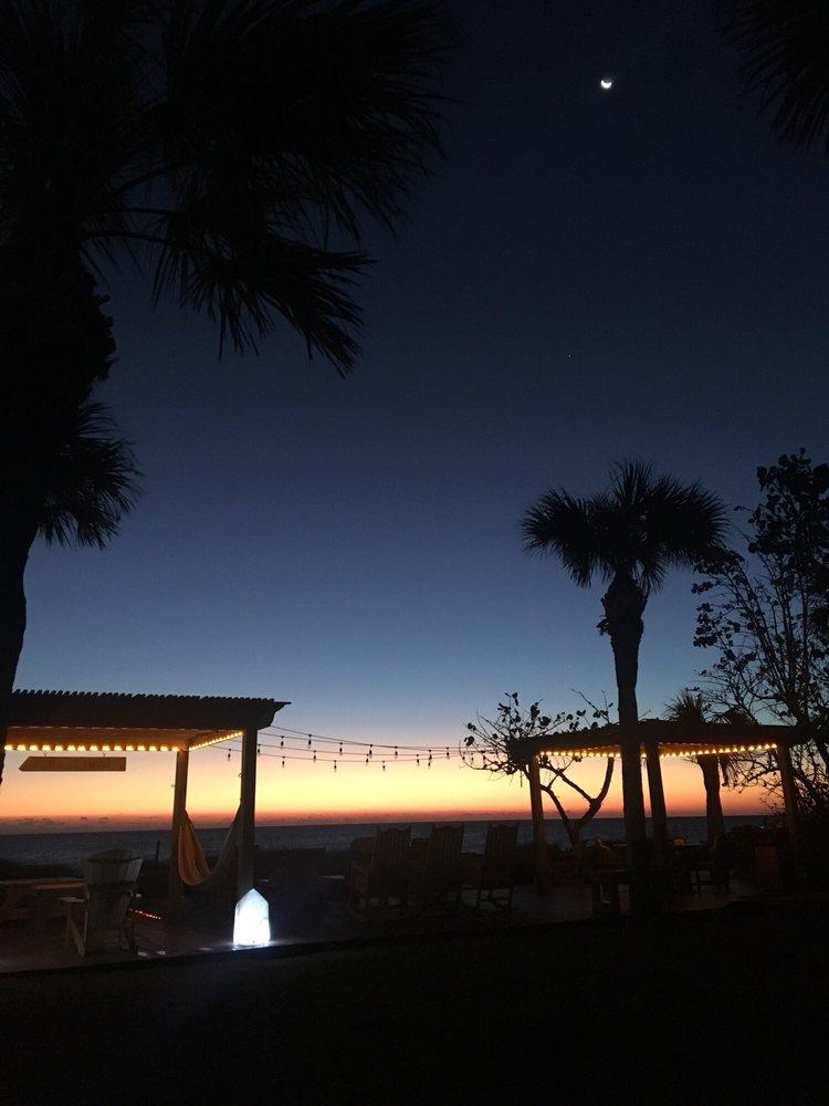Beach Place Guesthouses: 1445 S Atlantic Ave, Cocoa Beach, FL