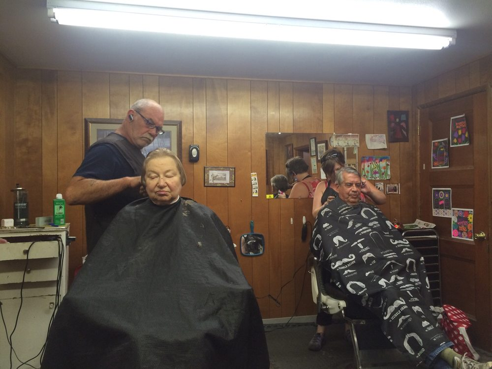 Old Style Barber Shop: 790 Main St, Aumsville, OR