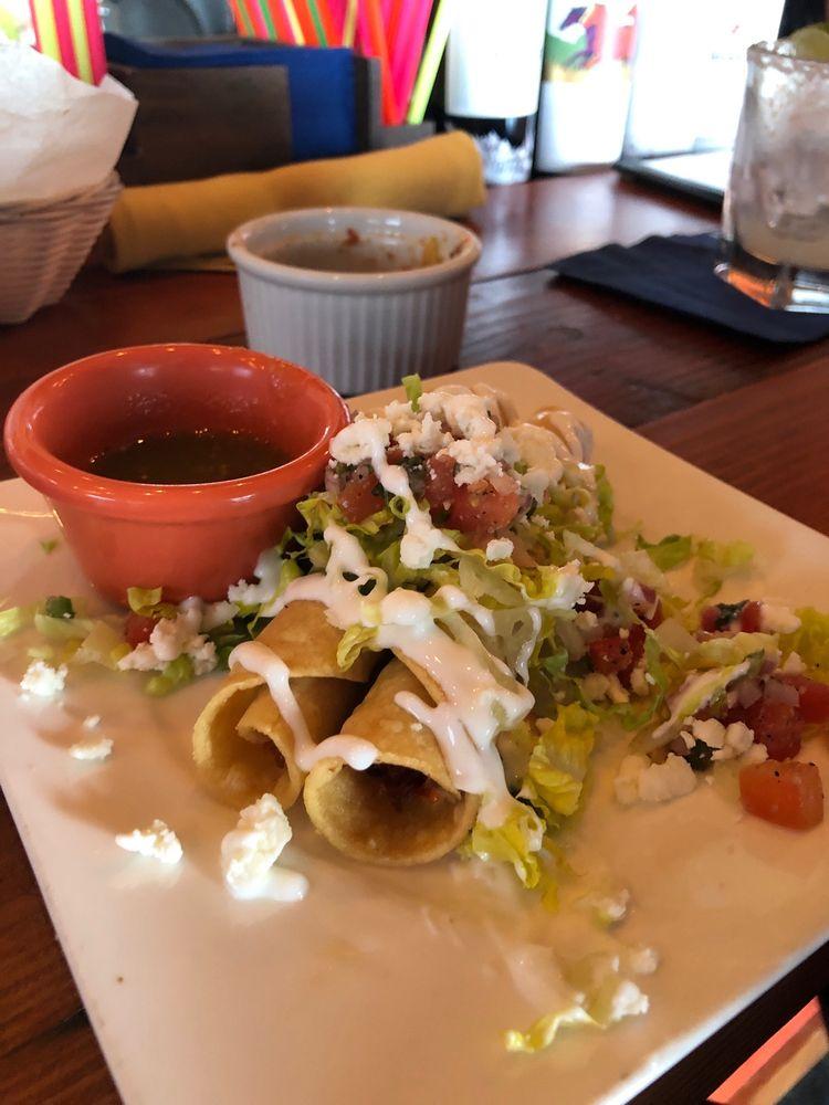Conin Mexican Cuisine: 9111 S Barbur Blvd, Portland, OR