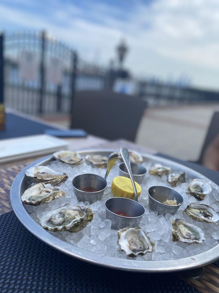 HAVEN Riverfront Restaurant and Bar: 2 Main St, Edgewater, NJ