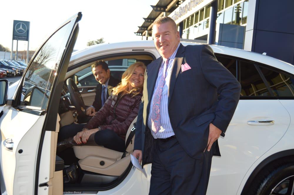 Salesman steve mccloskey product concierge edwin yanes for Mercedes benz product concierge