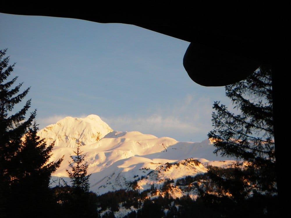 Bear Paw Lodge: 10411 Bear Paw Dr, Seward, AK
