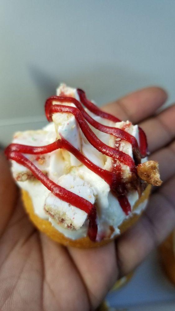 Mini Doughnut Factory: 730 4th St N, Saint Petersburg, FL