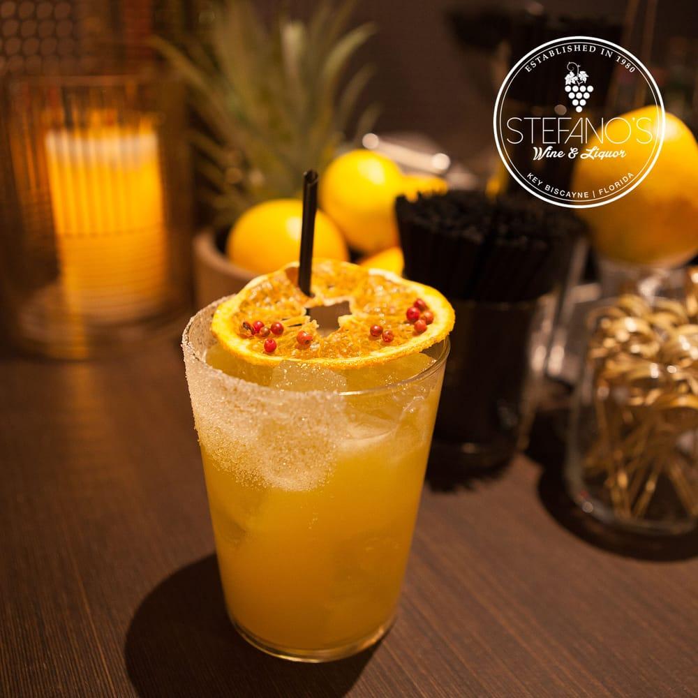 Stefano's Lounge: 328 Crandon Blvd, Key Biscayne, FL