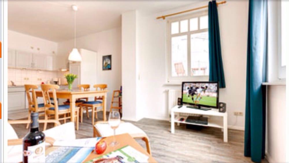 ferienwohnung st ngt stugor strandstr 42 k hlungsborn mecklenburg vorpommern tyskland. Black Bedroom Furniture Sets. Home Design Ideas
