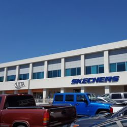 100 Oaks Mall - 20 Reviews - Shopping Centers - 719 Thompson