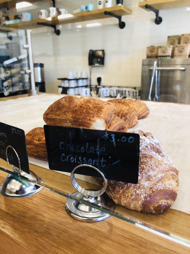 Luna Bakery Cafe: 34105 Chagrin Blvd, Moreland Hills, OH
