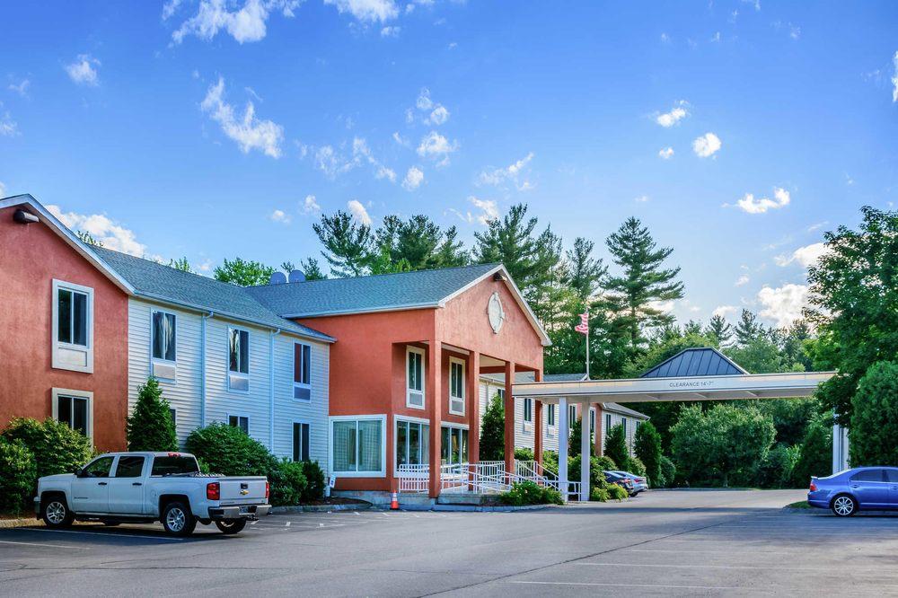Quality Inn Nashua: 242 Daniel Webster Hwy, Merrimack, NH