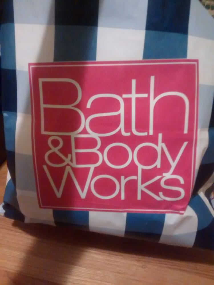 Bath & Body Works: 1410 Sparta Rd, Mc Minnville, TN