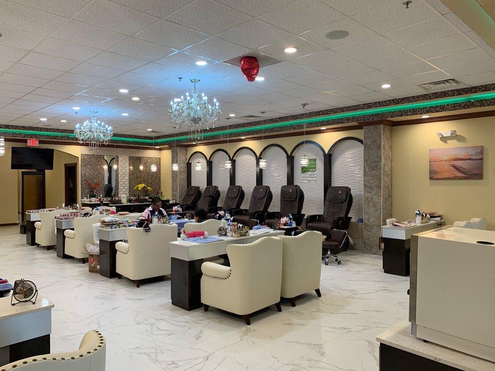 Luxury Nail & Foot Spa: 2810 NW Federal Hwy, Stuart, FL