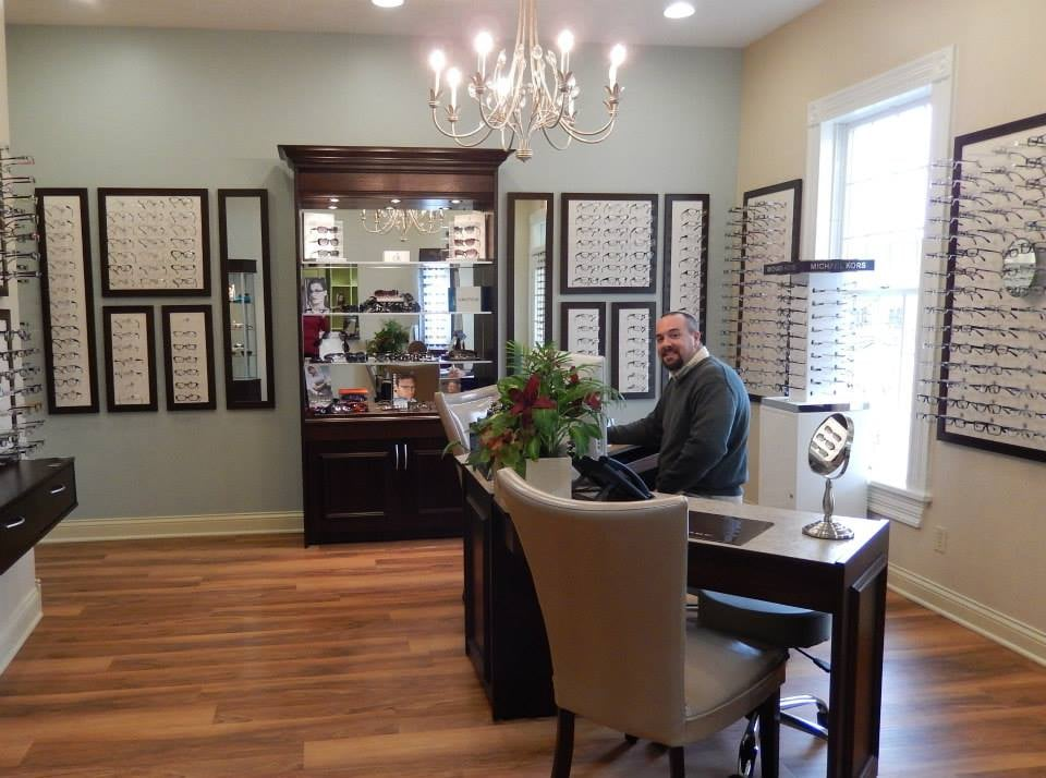 Cecil Family Eyecare: 633 N 3rd St, Bardstown, KY