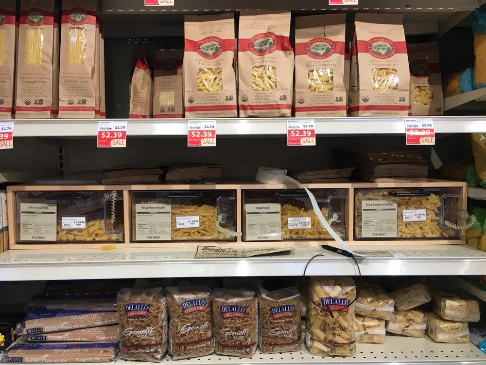 MOM's Organic Market: 14470 Smoketown Rd, Woodbridge, VA