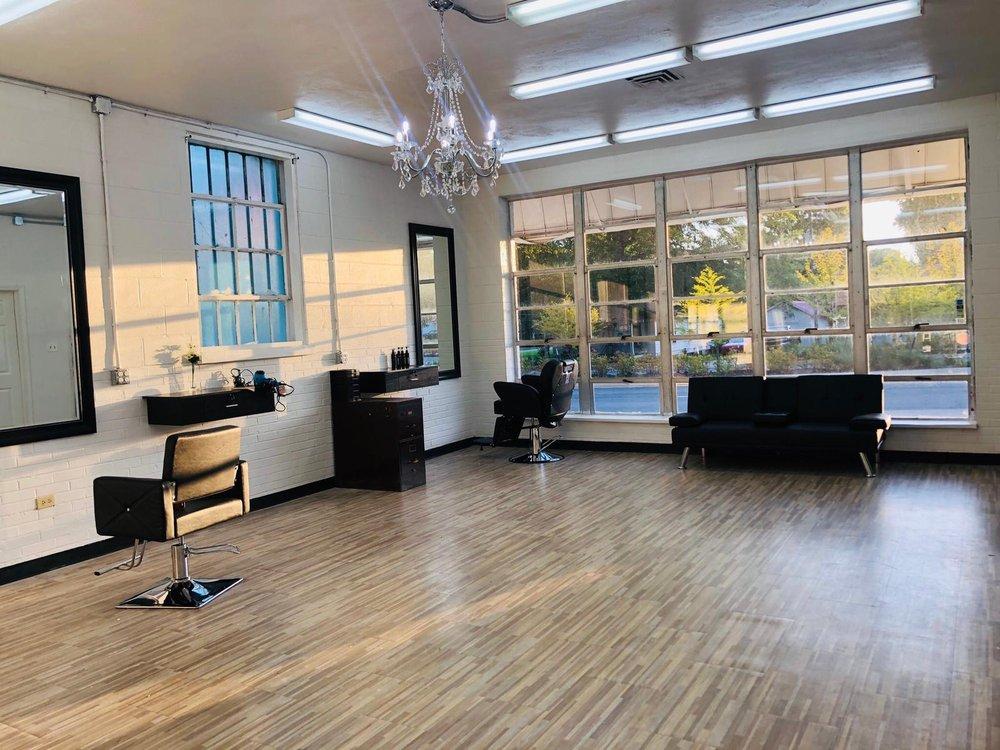 Usha's Salon: 206 N Reynolds Rd, Benton, AR