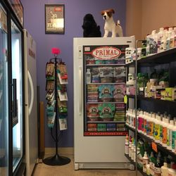 Wags to whiskers 27 photos 27 reviews pet stores 16007 s photo of wags to whiskers plainfield il united states fully stocked freezers solutioingenieria Choice Image