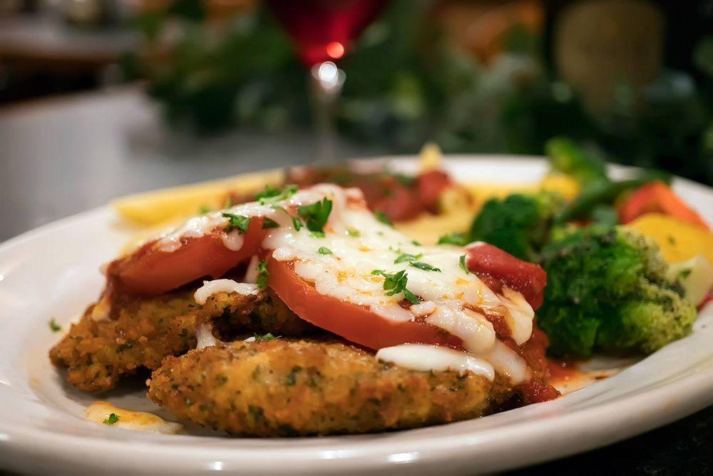 Sorrento's Italian/Mediterranean Cuisine: 6395 W Pierson Rd, Flushing, MI