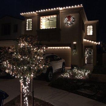 Perfect Holiday Lights - 19 Photos - Holiday Decorating ...