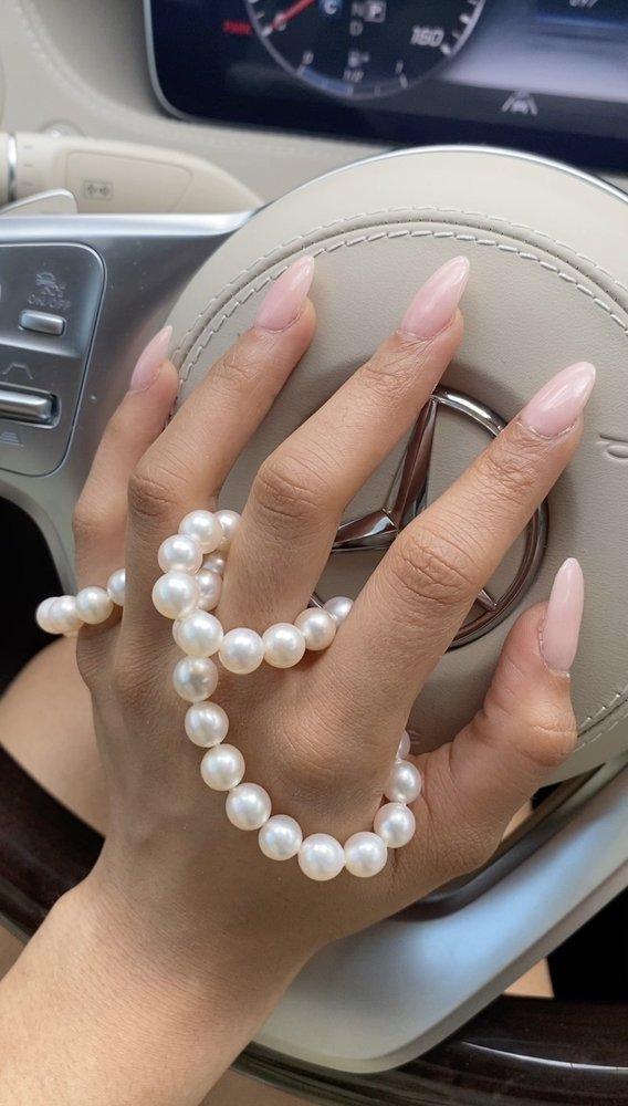 Golden Nails & Spa: 2725 N Westwood Blvd, Poplar Bluff, MO