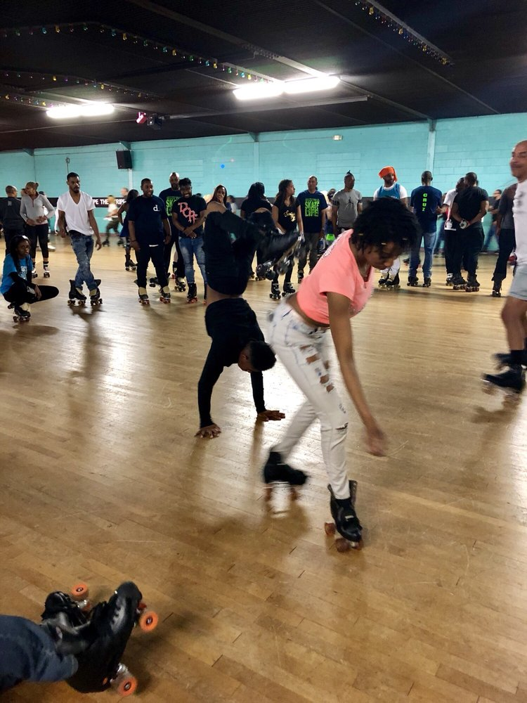 Skate King Skating Center: 2700 Kienlen Ave, Saint Louis, MO