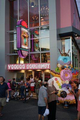 Voodoo Doughnut - (New) 1557 Photos & 519 Reviews - Bakeries