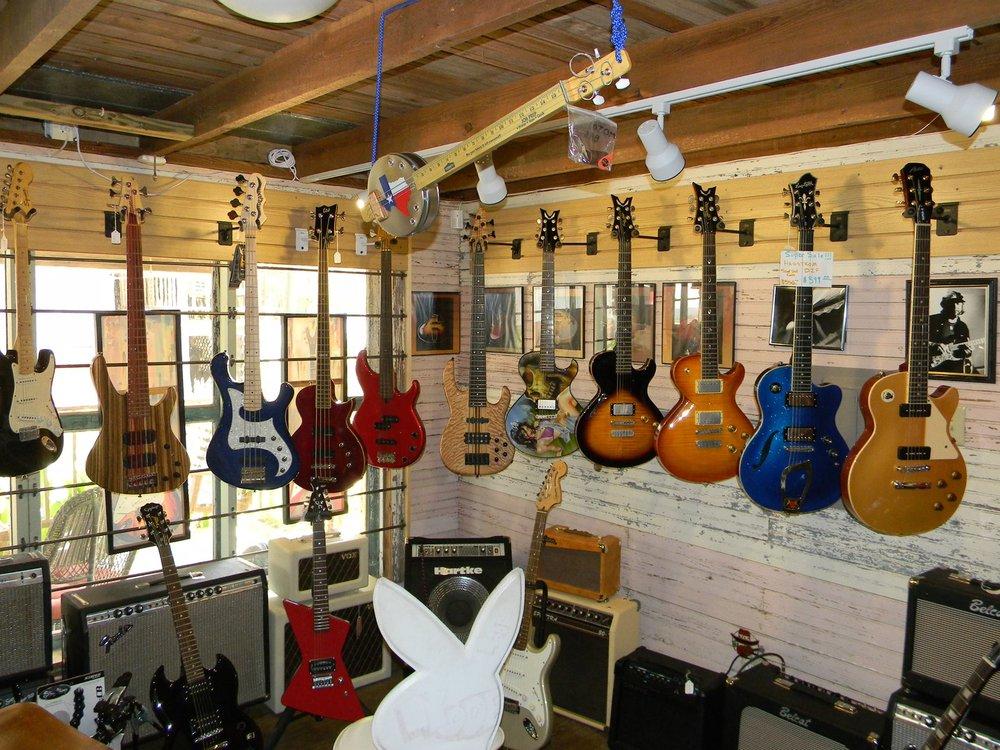 Larryland Music Store: 601 Chestnut St, Bastrop, TX