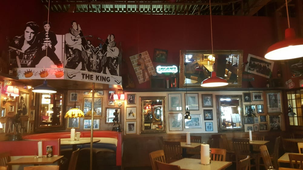 Photo of Fuddruckers - Brookfield, WI, United States