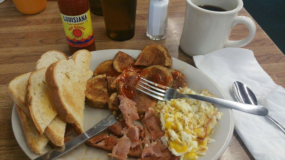 Goldenrod Cafe: 1616 E S St, Hastings, NE