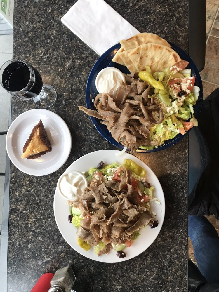 Santorini's Greek Grill