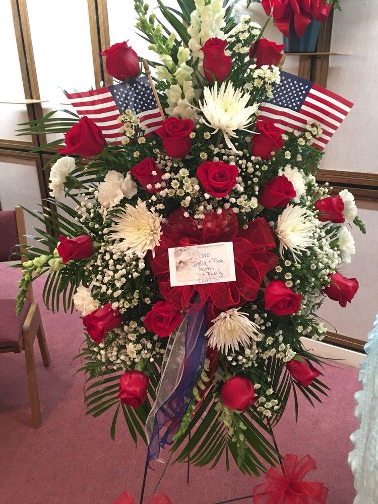 Bo-Kay Florist / Gifts: 848 Harrison St, Batesville, AR