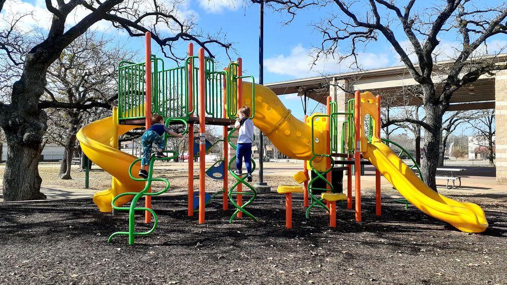 Lion's Park: 517 Chappel St, College Station, TX