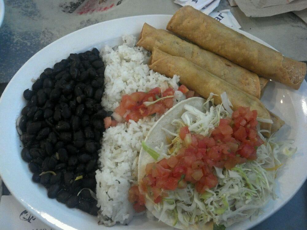 Photos for Wahoo's Fish Tacos - Yelp - photo#28