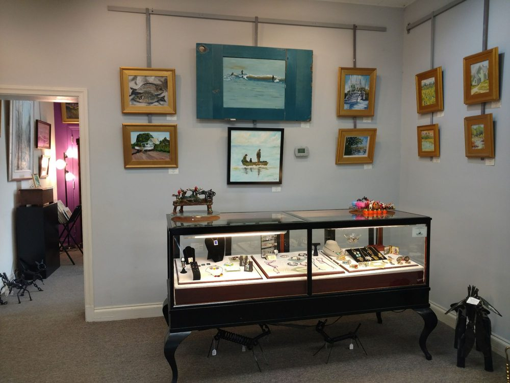 Chowan Arts Council: 112 W Water St, Edenton, NC