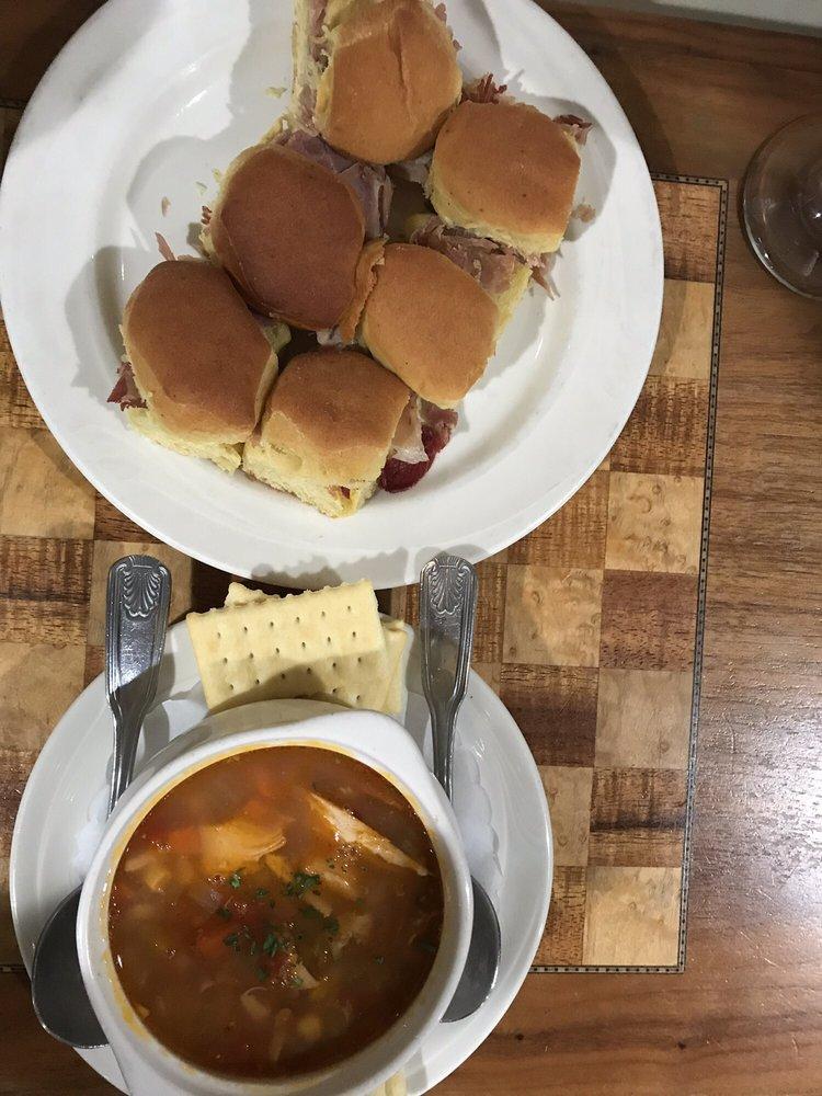 The Smithfield Inn Restaurant & Tavern