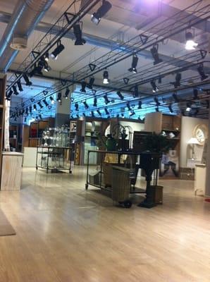 Maison Du Monde - Interior Design - Via Oristano Cascina, Cascina ...