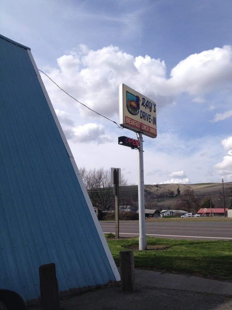 Ray's Drive In: 221 W Main St, Dayton, WA