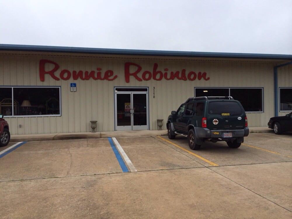 Ronnie Robinson: 3170 Hwy 17, Green Cove Springs, FL