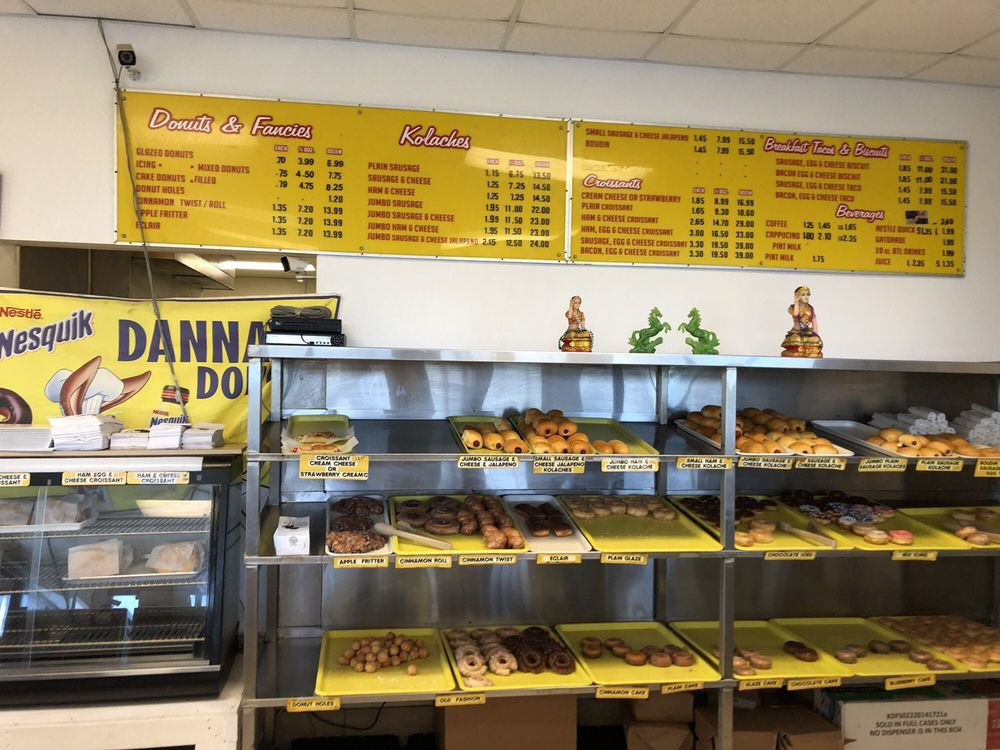 Dannay's Donuts: 2124 State Hwy 87, Crystal Beach, TX