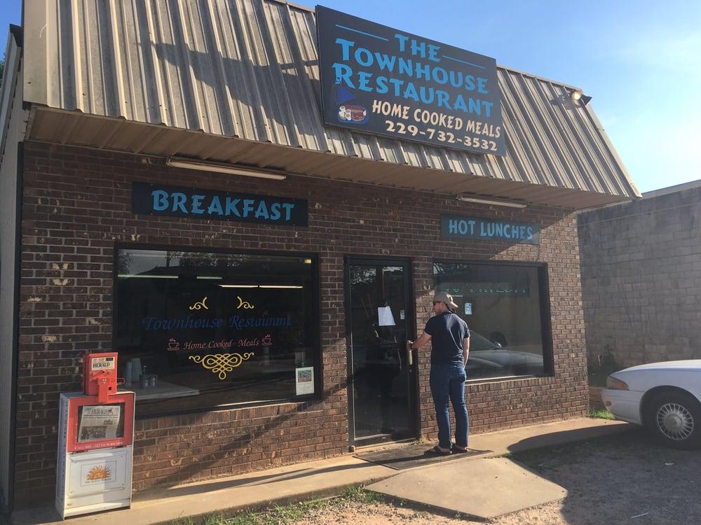 Townhouse Restaurant: 215 Ed Dawson St, Cuthbert, GA