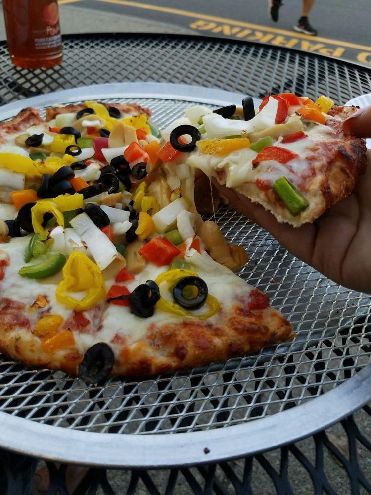 Sareini's Pizzeria: 3313 Greenfield Rd, Dearborn, MI